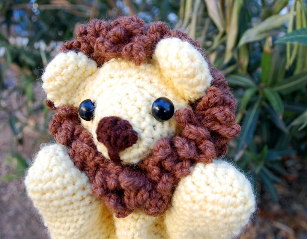 Cuddly Lion Puppet!