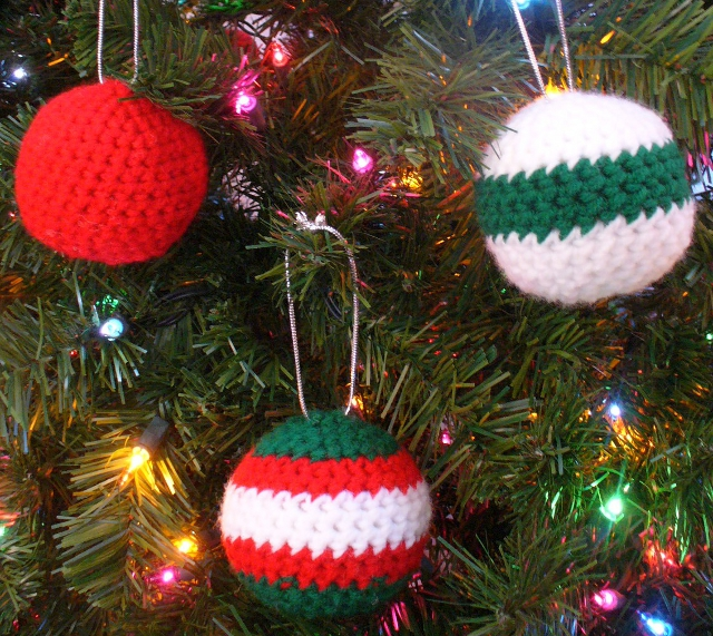 Christmas Ball Ornaments! Free and easy.