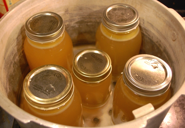 How to Make and Can Broth from Your Turkey