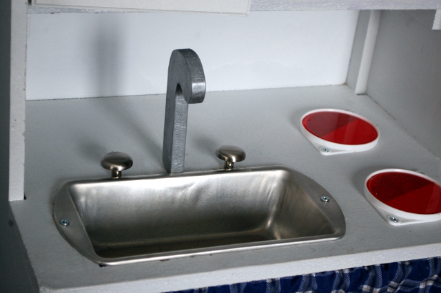 DIY Play kitchen sink and stovetop