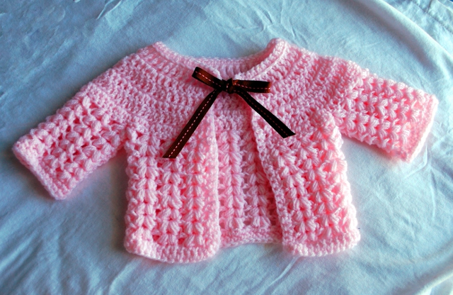 Adorable baby cardigan - link to free pattern