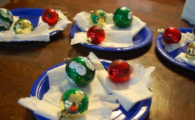 Easy Thumbprint Ornaments
