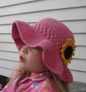 Ruffled Brim Sunhat from Hatting Madly Crochet