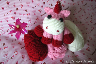 Lil' Baby Unicorn from Little Yarn Friends