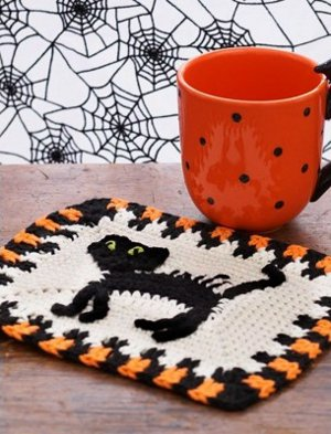 Scaredy Cat Dishcloth from Yarnspirations